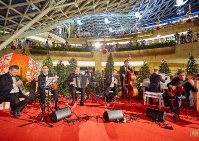 09 HM 43 400x284 Świąteczne eventy, kosze i prezenty specjalność OOH Media Polska